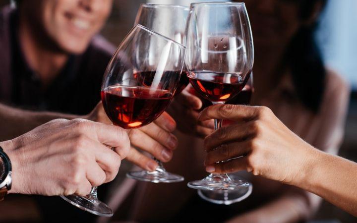 Glasses of wine - The Proud Italian
