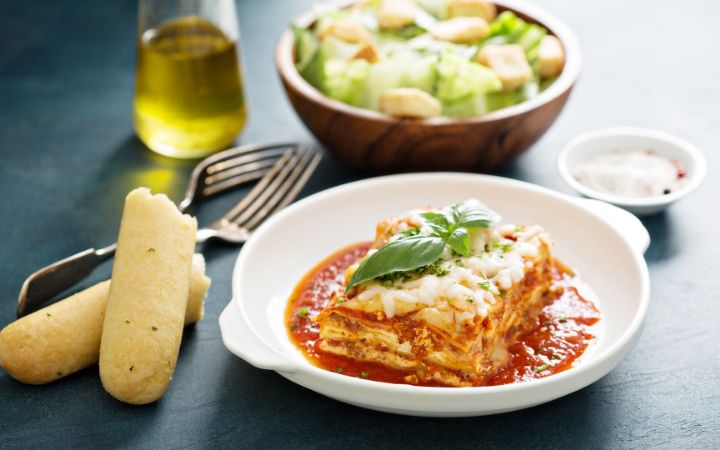 What to serve with lasagna - The Proud Italian