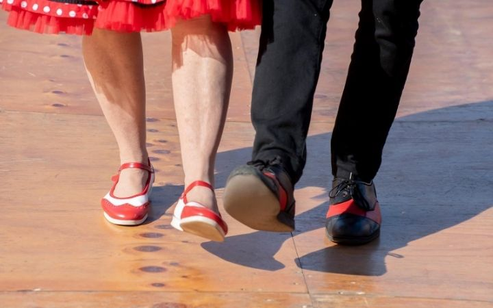 Dancing Italian feet and shoes, Tarantella, an Italian folk dance - The Proud Italian