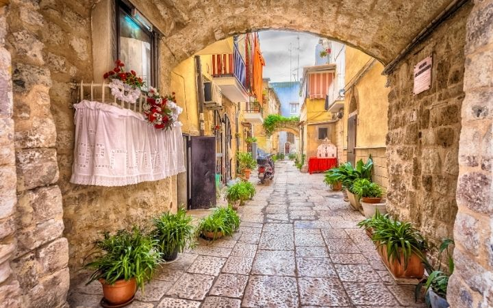 Bari, What Are The 5 Regions of Italy - The Proud Italian