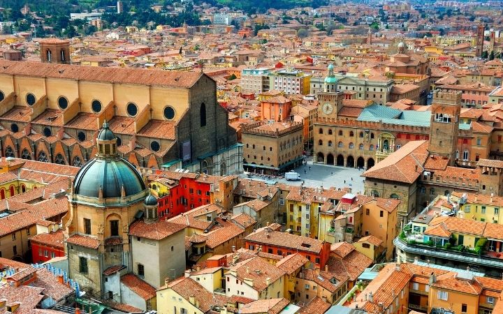 Bologna, What Are The 5 Regions of Italy - The Proud Italian