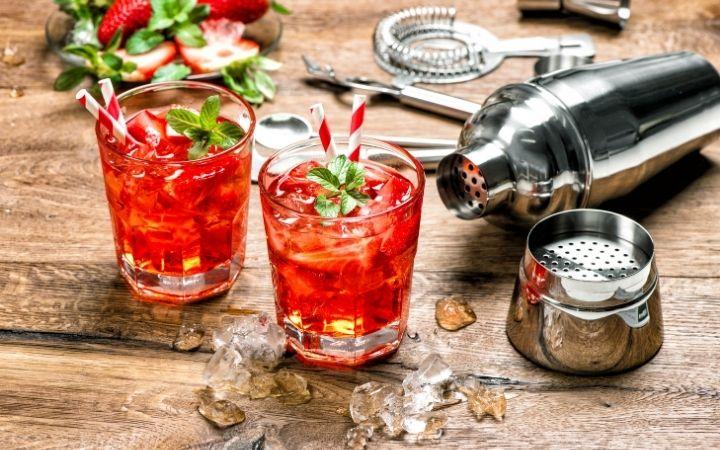 Campari aperitif, Italian Aperitivo – What is it and how to enjoy it - The Proud Italian
