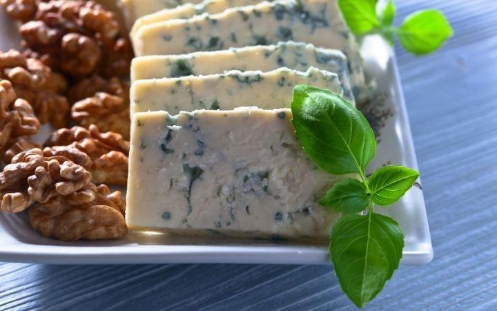 Gorgonzola, 13 Most Popular Italian Cheeses - The Proud Italian