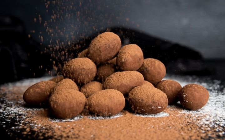 Almonds coated in chocolate and cocoa paste, Italian Wedding Cookies and How To Make Them - The Proud Italian