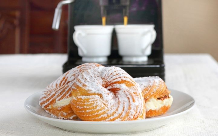 Zeppole, 13 Most Popular Italian Pastries - The Proud Italian