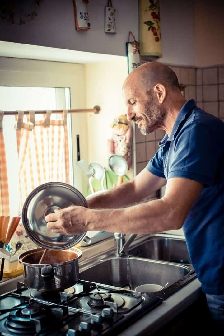 Italian man cooking, The 10 Hottest Italian Men that are breaking the Internet - The Proud Italian
