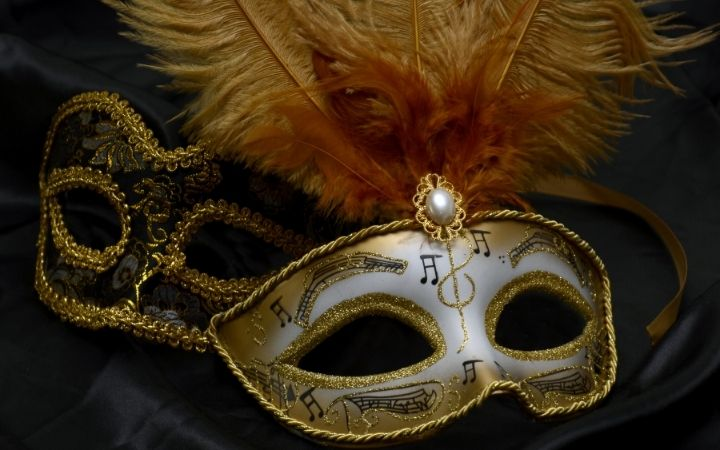 Venice Carnival masks, Why you need to plan your next trip to the Venice Carnival - The Proud Italian