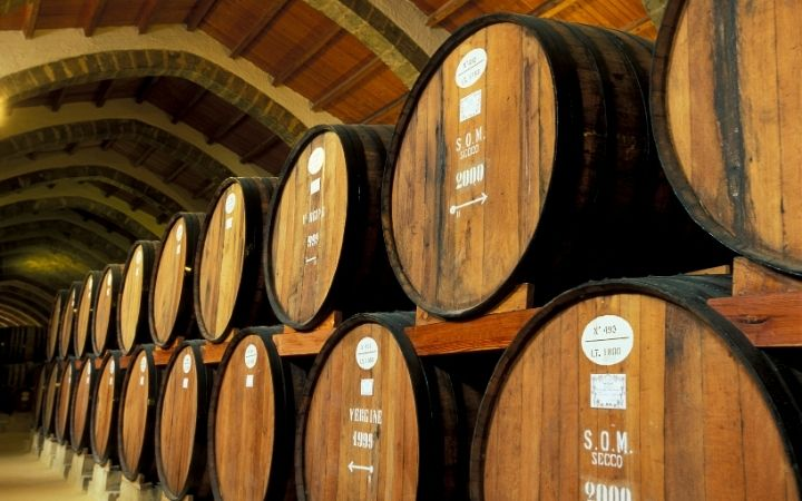 Wine cellar, Mi Scusi! Free Wine Fountain in Italy - The Proud Italian