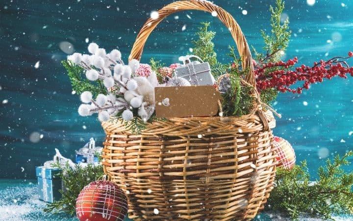 Christmas basket and decoration, Italian Gift Baskets for Christmas - The Proud Italian