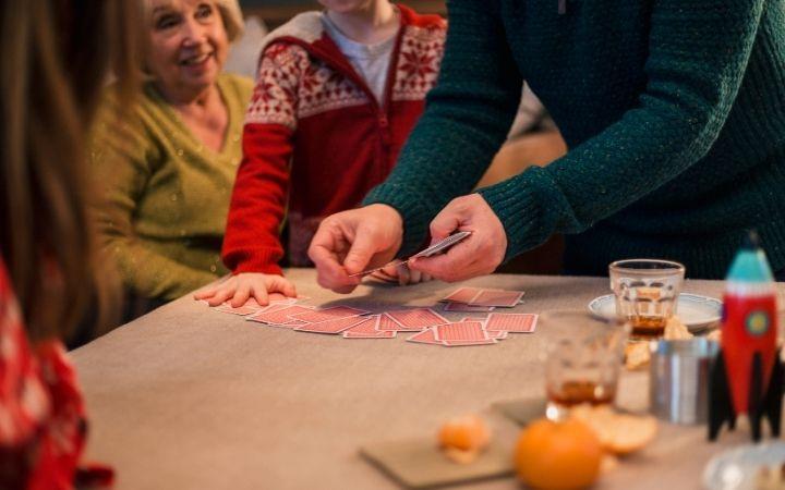 Christmas party games, Hosting an Italian Christmas Dinner - The Proud Italian