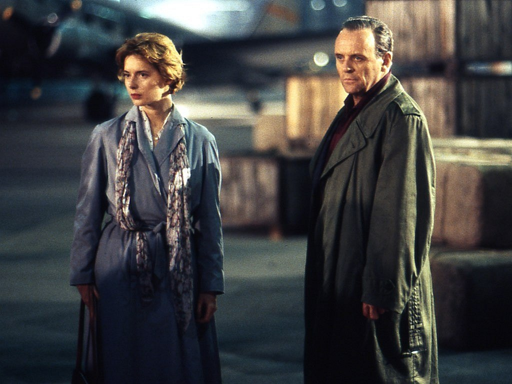 Isabella Rossellini and Anthony Hopkins - The Proud Italian