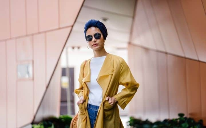 Streetwear style woman in yellow coat - The Proud Italian