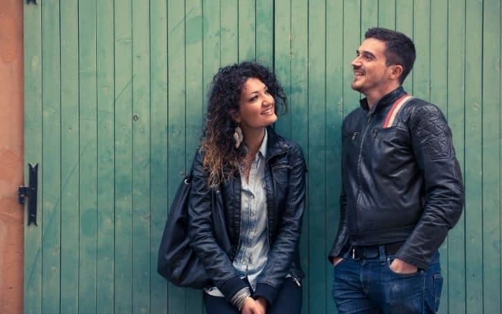 Italian man flirting with a girl - The Proud Italian