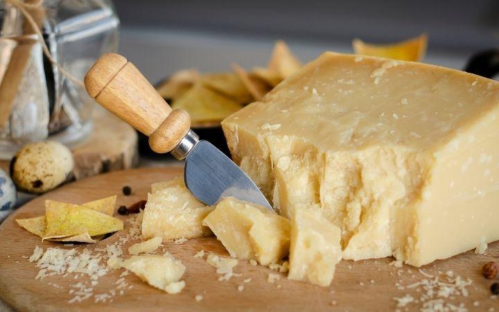 Parmigiano knife, Italian kitchen utensils - The Proud Italian