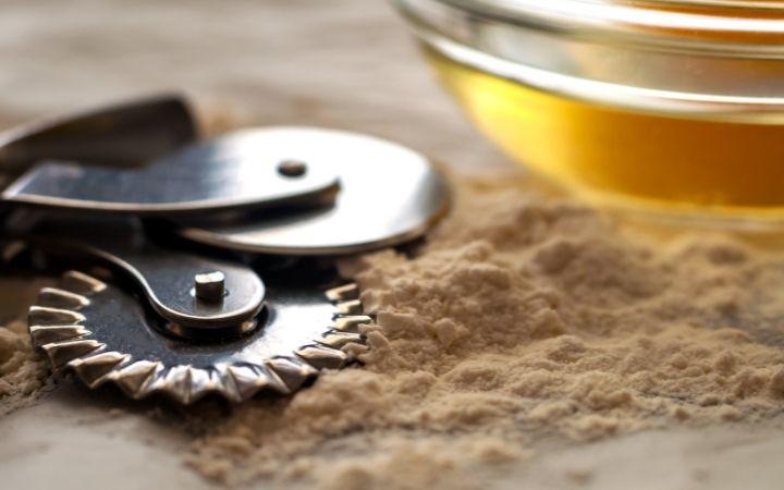 Ravioli cutter, Italian kitchen utensils - The Proud Italian